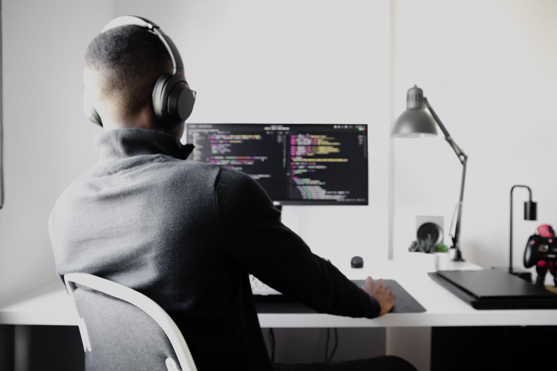 Dit zijn de redenen waarom je een freelance developer kunt inhuren voor je webshop